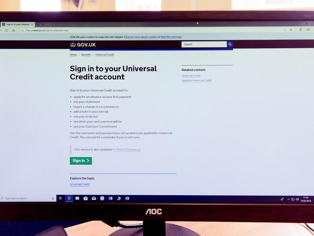 What is the official Universal Credit helpline number