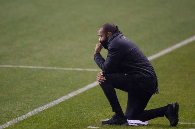 Thierry Henry takes the knee during Montreal Impact game (Getty Images)