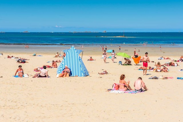 A £5,000 fine for anyone trying to travel abroad on holiday from England is to come into place next week, as part of new Covid laws (Photo: Shutterstock)