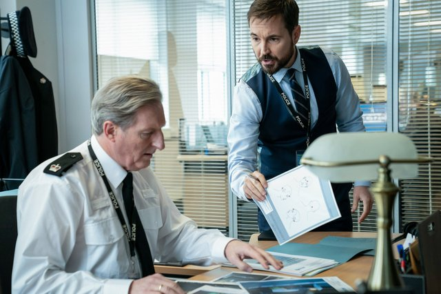 Superintendent Ted Hastings (Adrian Dunbar) and DS Steve Arnott (Martin Compston) - (C) World Productions - Photographer: Steffan Hill