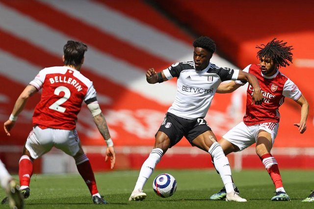 Josh Maja playing for Fulham.