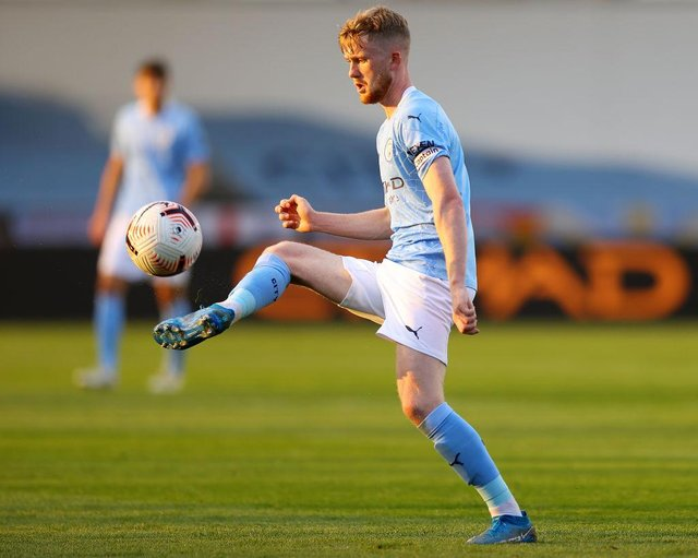 Tommy Doyle playing for Manchester City Under-23s.