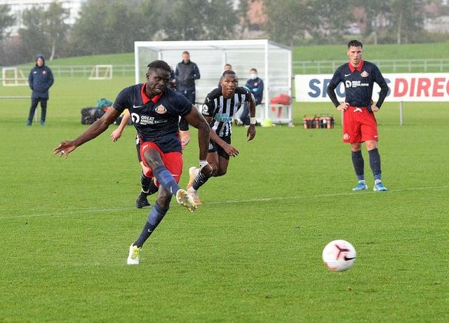 Sunderland youngster Benji Kimpioka