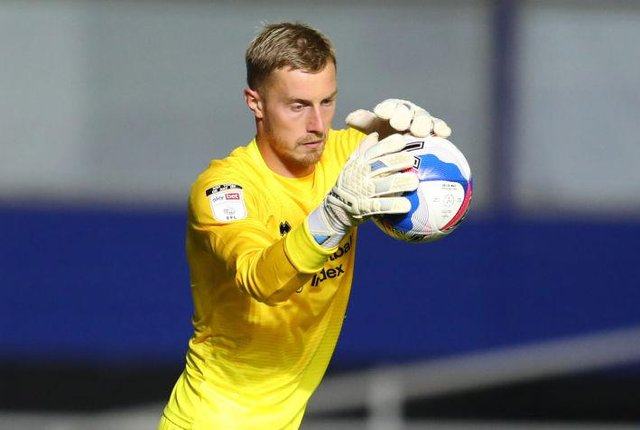 Goalkeeper Joe Lumley has agreed to join Middlesbrough.